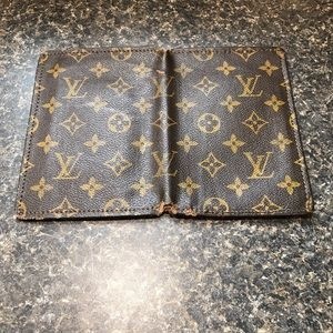 Authentic Louis Vuitton Wallet/Passport Holder